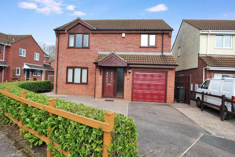 4 Bedrooms Detached House for sale in Saffron Close, Taunton