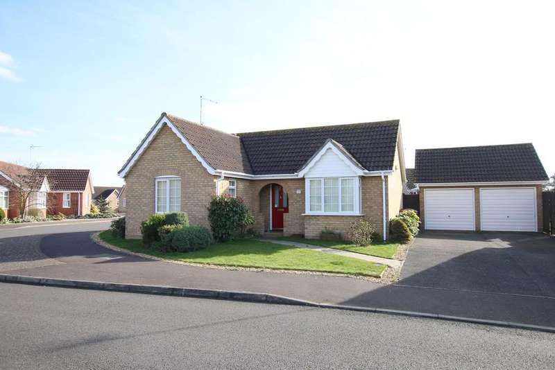 2 Bedrooms Detached Bungalow for sale in Cawood Close, March