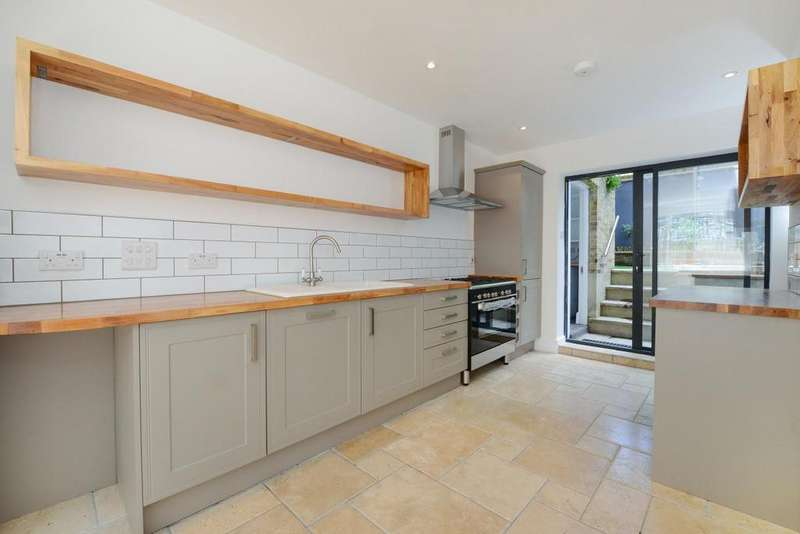 3 Bedrooms Terraced House for sale in Gaywood Street, Elephant Castle, SE1