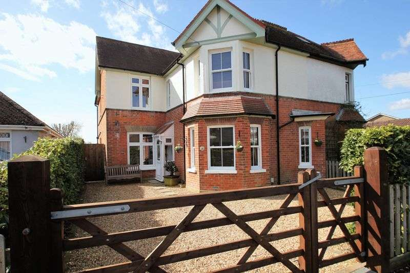 5 Bedrooms Semi Detached House for sale in Mount Avenue, New Milton