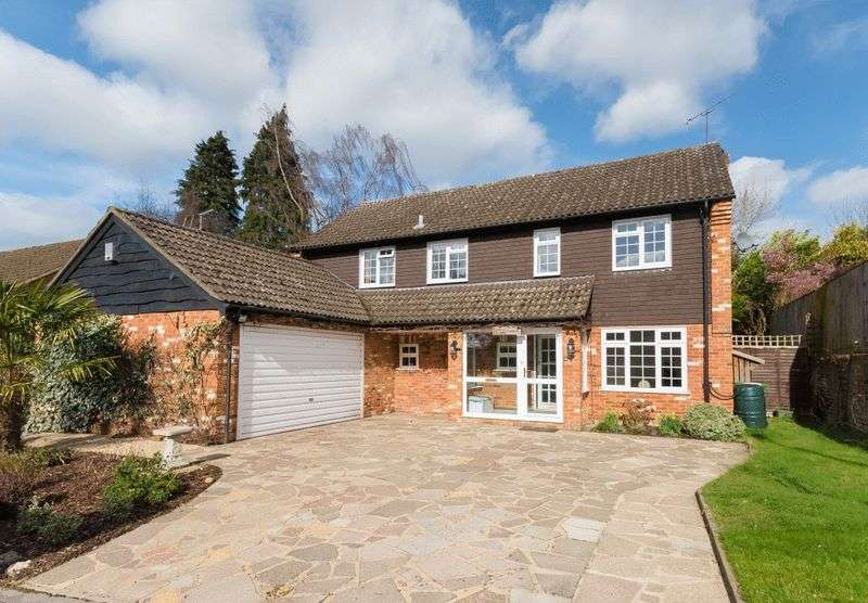 4 Bedrooms Detached House for sale in The Brow, Chalfont St. Giles