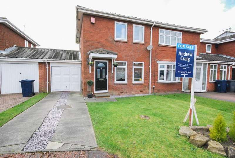 2 Bedrooms Semi Detached House for sale in Brockhampton Close, The Cotswolds