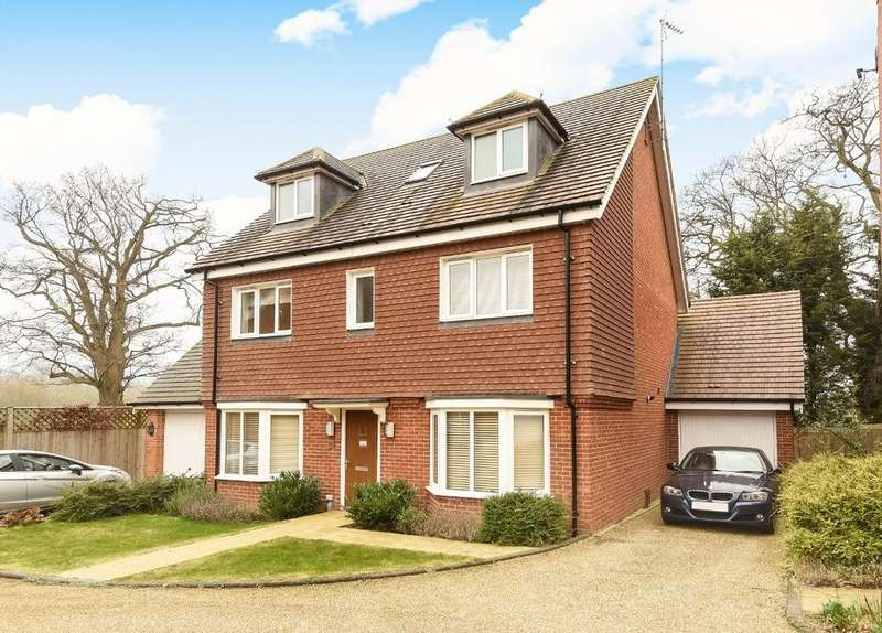 6 Bedrooms Detached House for sale in Pines Ridge, Horsham, RH12