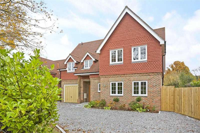 6 Bedrooms Detached House for sale in Kings Cross Lane, South Nutfield, Redhill, RH1