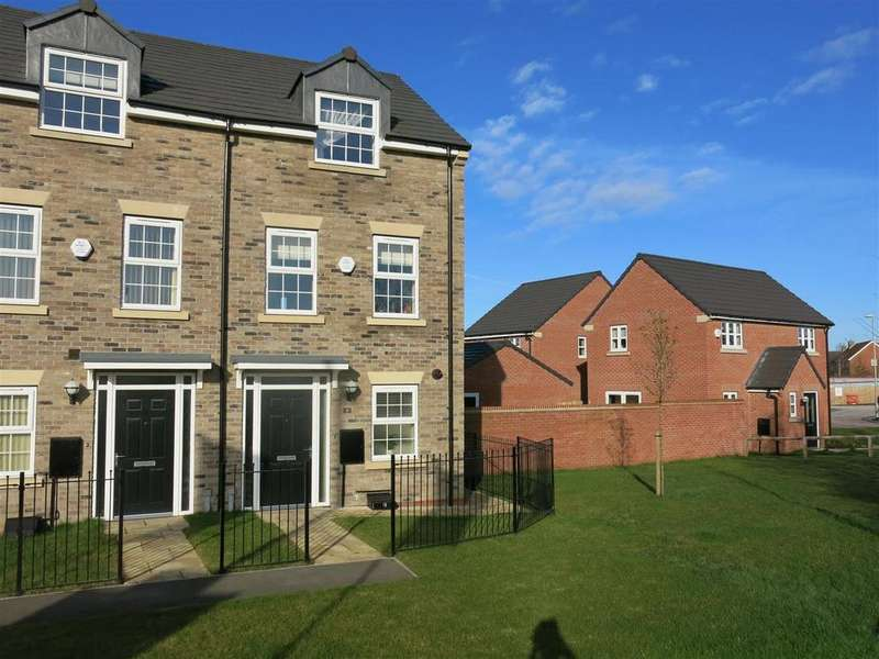 3 Bedrooms Town House for sale in White Mill Drive, Pocklington, York