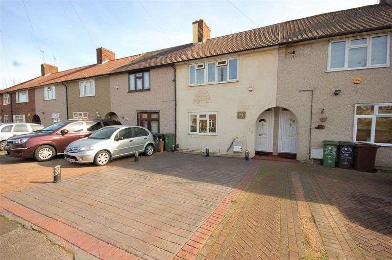 3 Bedrooms Terraced House for sale in Cartwright Road, Dagenham