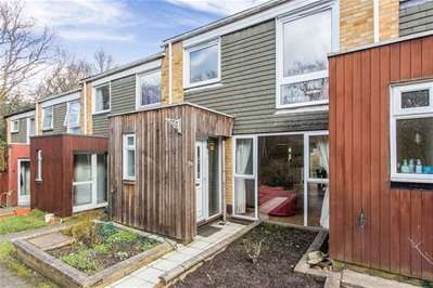 3 Bedrooms Terraced House for sale in The Pines, Woodford Green