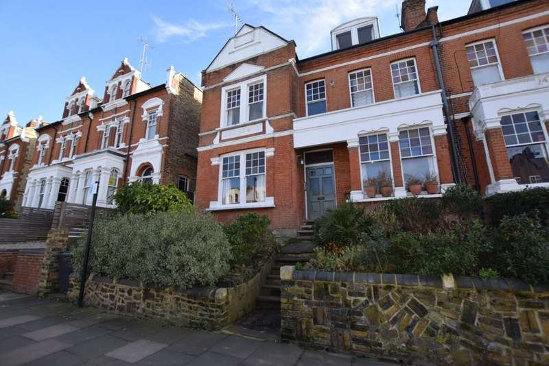 2 Bedrooms Flat for sale in Cecile Park, London, London, N8