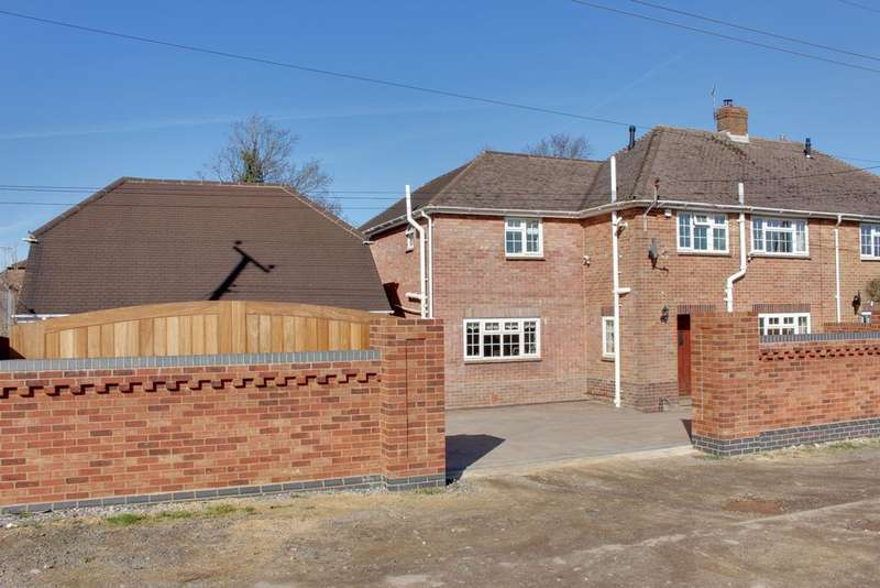 4 Bedrooms Semi Detached House for sale in WATERLOOVILLE