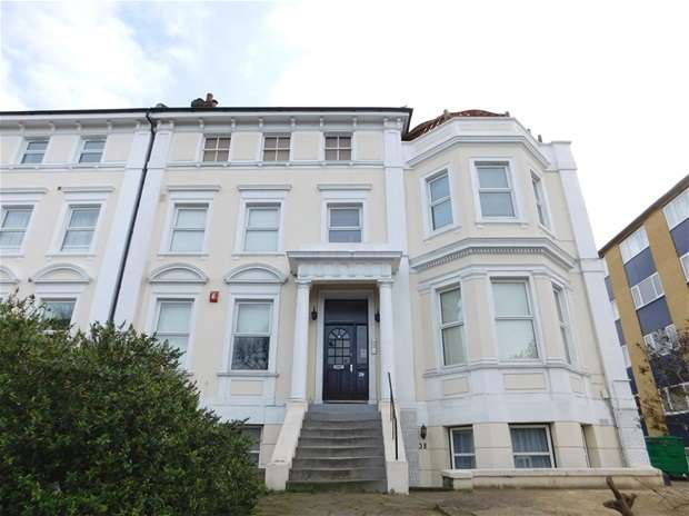 1 Bedroom Flat for sale in St. Marks Hill, Surbiton