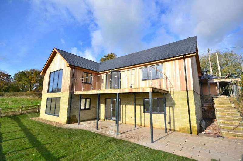 4 Bedrooms Detached House for sale in Hugglers Hole, Nr Shaftesbury, Dorset, SP7