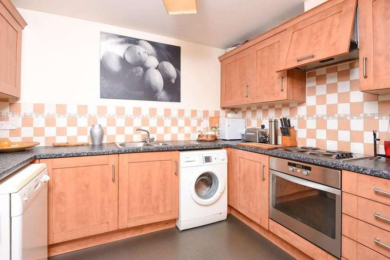 3 Bedrooms Flat for sale in Morrish Road, Brixton Hill, SW2