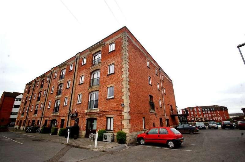 2 Bedrooms Apartment Flat for sale in Admirals Court, Bridgwater, Somerset, TA6
