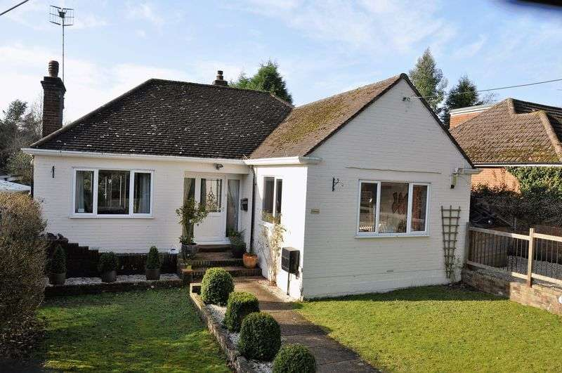 3 Bedrooms Detached Bungalow for sale in Beare Green
