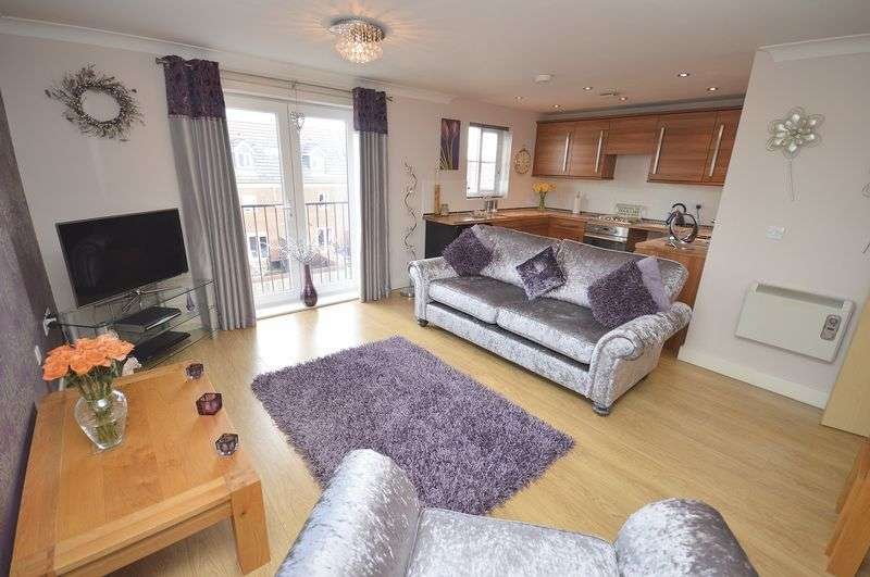 2 Bedrooms Flat for sale in Rivenmill Close, Widnes