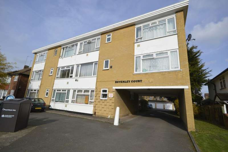 Flat for sale in Wellington Road South, Hounslow, TW4