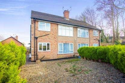 2 Bedrooms Maisonette Flat for sale in Leaford Crescent, Watford, Hertfordshire, .