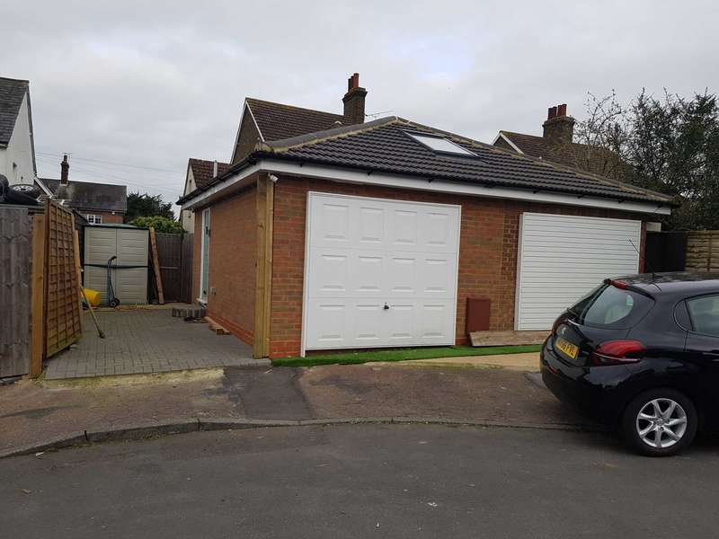 1 Bedroom Garages Garage / Parking for sale in Maypole Drive, Chigwell