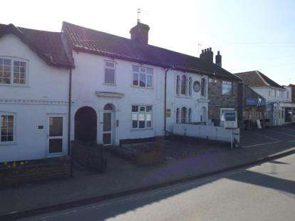 3 Bedrooms Terraced House for sale in Thorpe St Andrew, Norwich, Norfolk