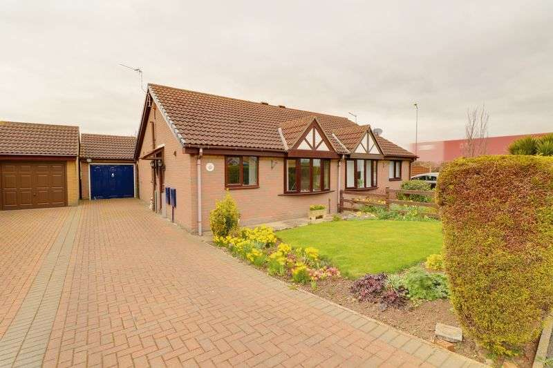 2 Bedrooms Semi Detached Bungalow for sale in Old Warp Lane, South Ferriby