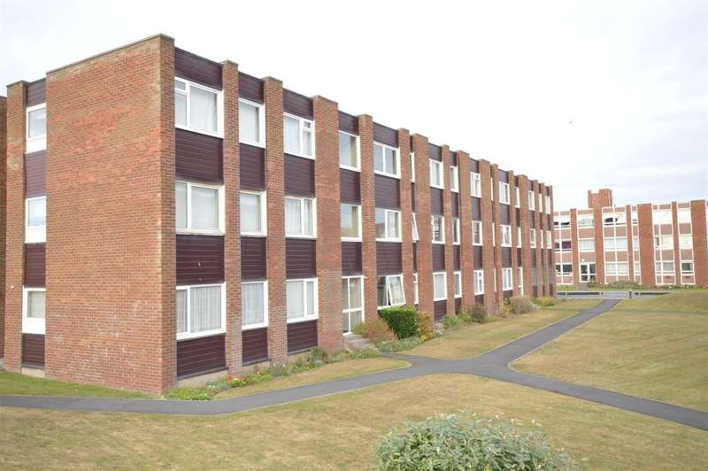 1 Bedroom Flat for sale in Greystoke Court, 77 Clifton Drive, Blackpool