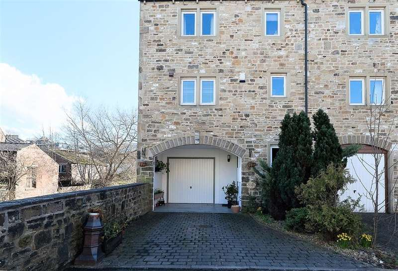 4 Bedrooms Town House for sale in Spinners Court, Skipton