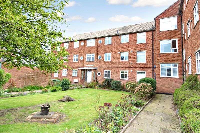 2 Bedrooms Flat for sale in Cleveland Avenue, Scarborough