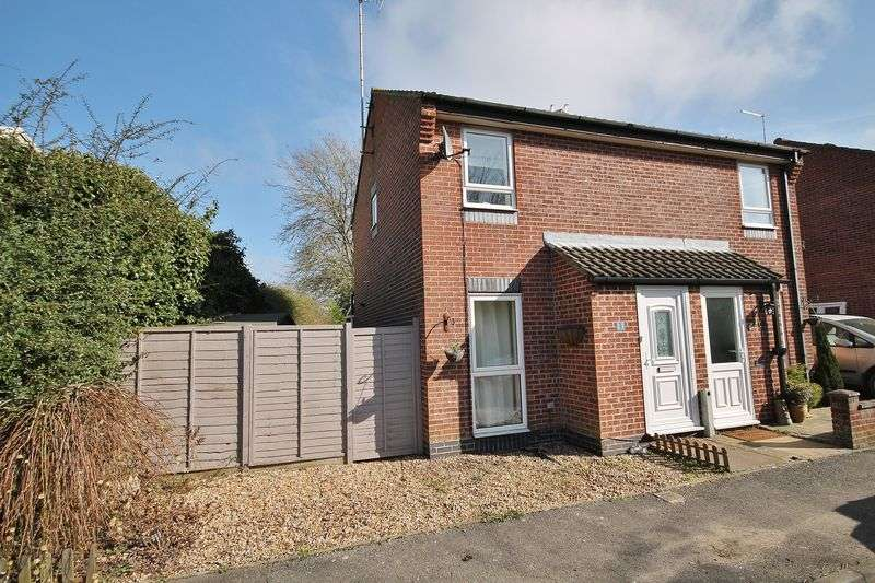 2 Bedrooms Semi Detached House for sale in Sullington Copse, Storrington