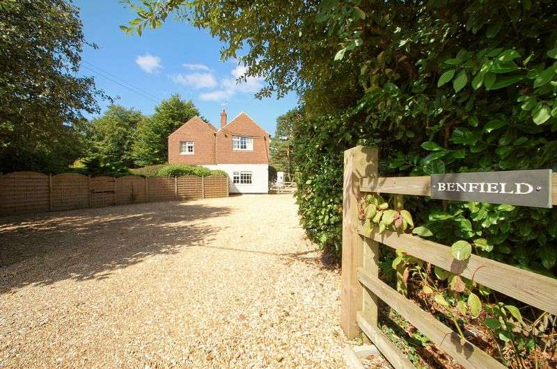 6 Bedrooms Detached House for sale in Warren Corner, FROXFIELD, Hampshire