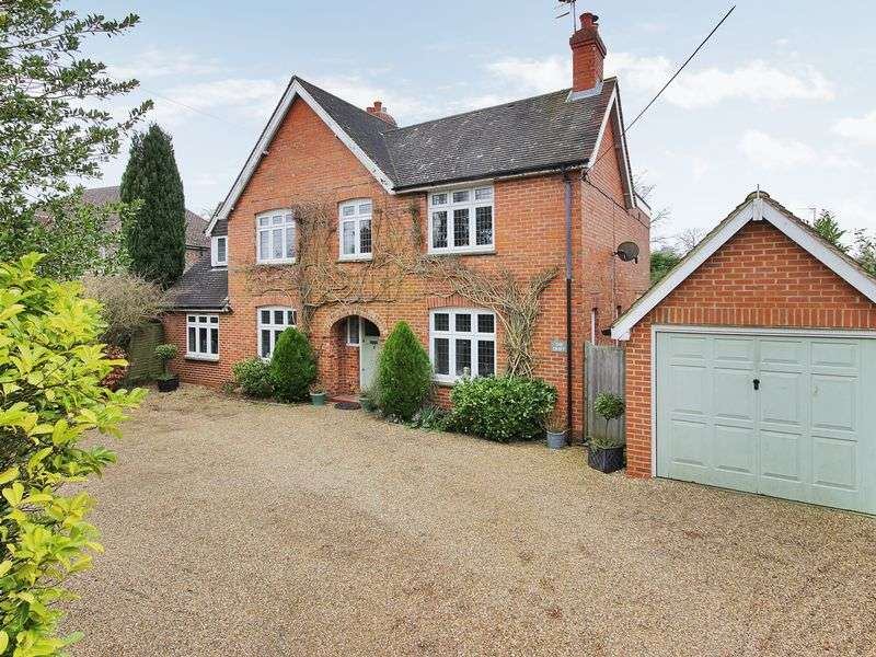 5 Bedrooms Detached House for sale in Vicarage Road, Crawley Down, West Sussex