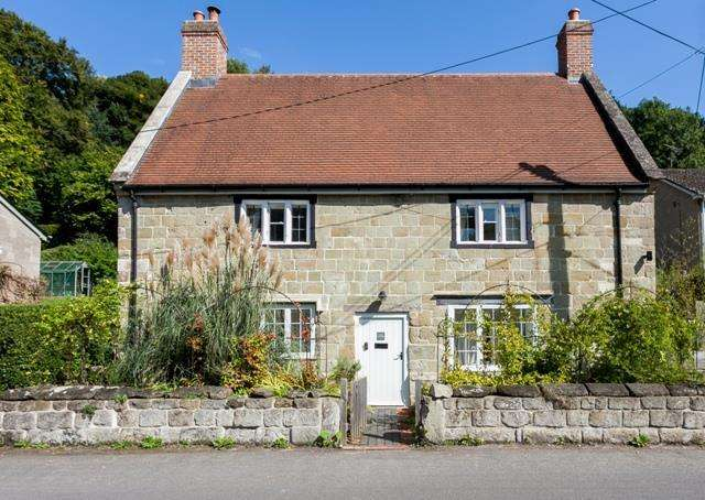 5 Bedrooms Cottage House for sale in Fovant, Nr Salisbury