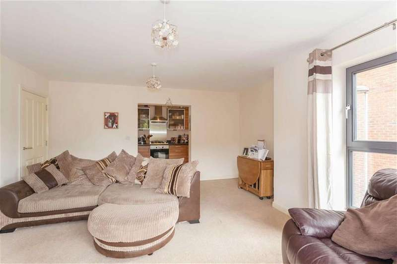 2 Bedrooms Apartment Flat for sale in Raven Close, Watford, Hertfordshire