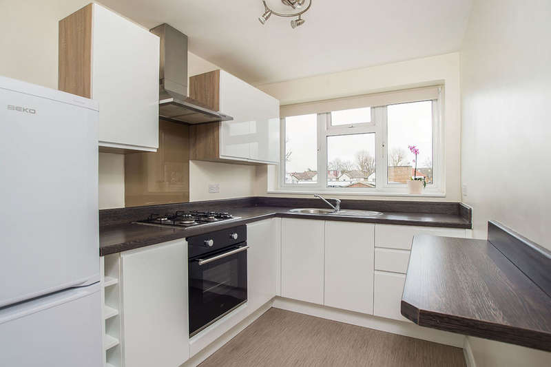 2 Bedrooms Flat for sale in St. James Road, Sutton, SM1