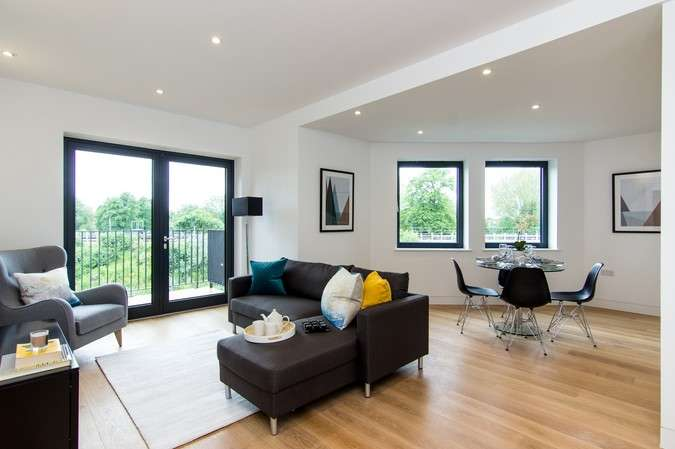 2 Bedrooms Flat for sale in Merlin House, Belmont Terrace, Chiswick