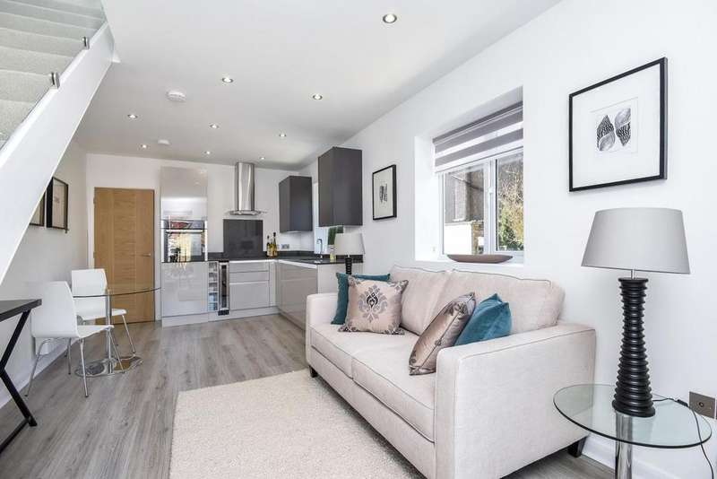1 Bedroom Flat for sale in Alexandra Park Road, Alexandra Park, N22