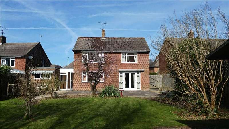 3 Bedrooms Detached House for sale in Pollards Drive, Horsham, West Sussex, RH13