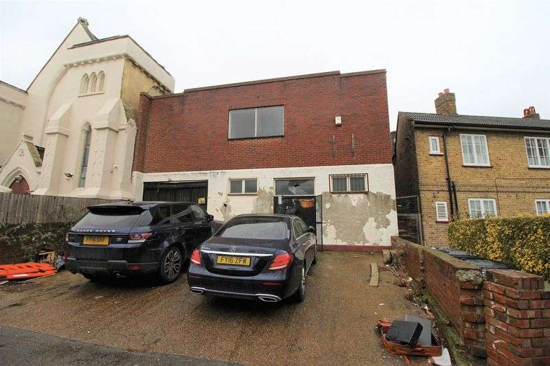 House for sale in Sydenham Park, London, SE26