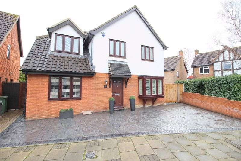4 Bedrooms Detached House for sale in Firside Grove, Sidcup, DA15 8WB