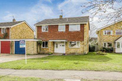 4 Bedrooms Detached House for sale in Rosemary Drive, Bromham, Bedford, Bedfordshire