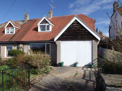 3 Bedrooms Bungalow for sale in Wynn Crescent, Old Colwyn, Colwyn Bay, Conwy, LL29