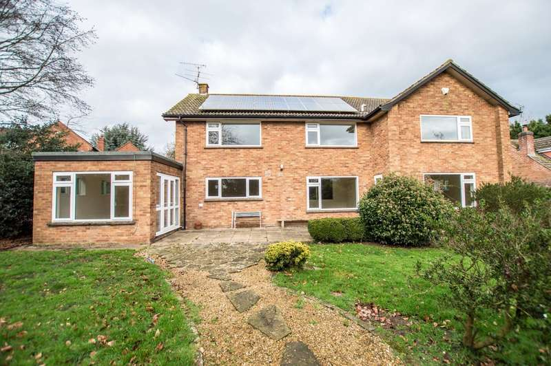 4 Bedrooms Detached House for sale in Churchend, Twyning, Tewkesbury, GL20 6DA
