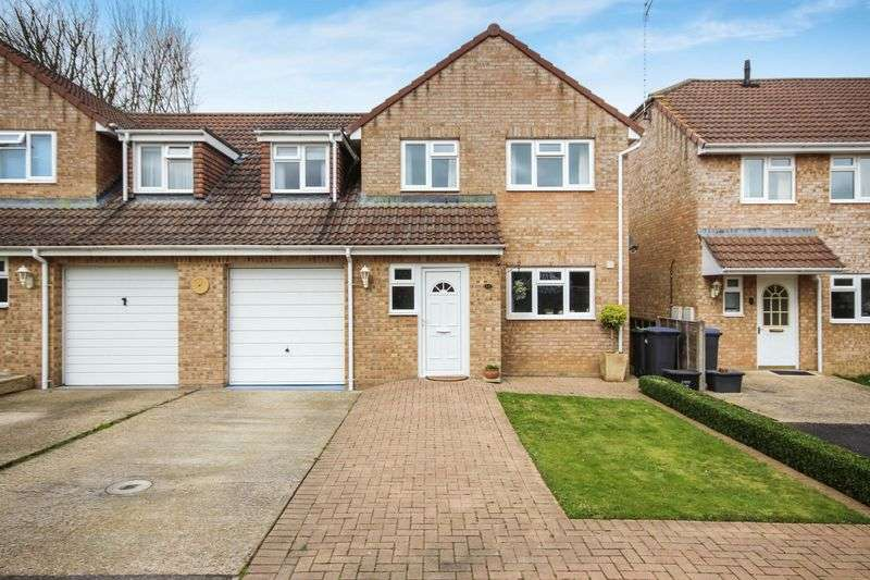 4 Bedrooms Semi Detached House for sale in WILLOW DRIVE, DURRINGTON, SP4