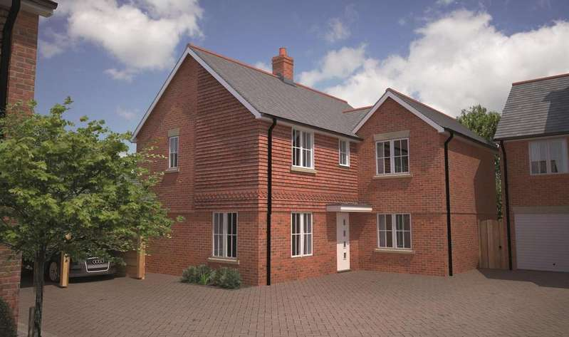 4 Bedrooms House for sale in The Lawns, Brackenbury, Andover