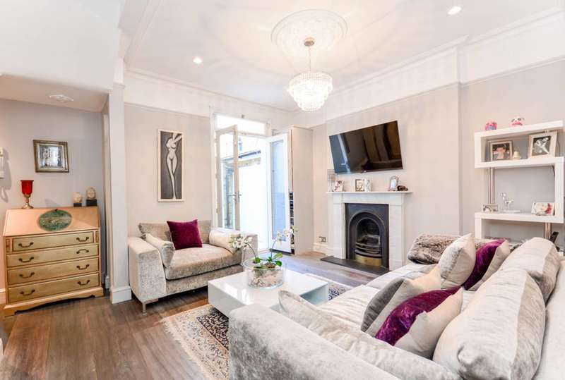 2 Bedrooms Flat for sale in Rigault Road, Parsons Green, SW6