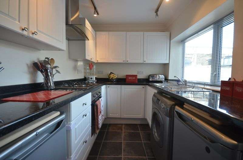 2 Bedrooms Terraced House for sale in George Street, Rishton