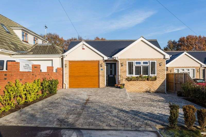 3 Bedrooms Detached Bungalow for sale in Highams Road, Hockley