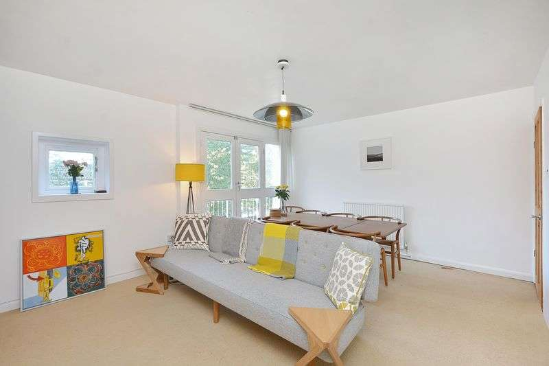3 Bedrooms Flat for sale in Rutland Road, London