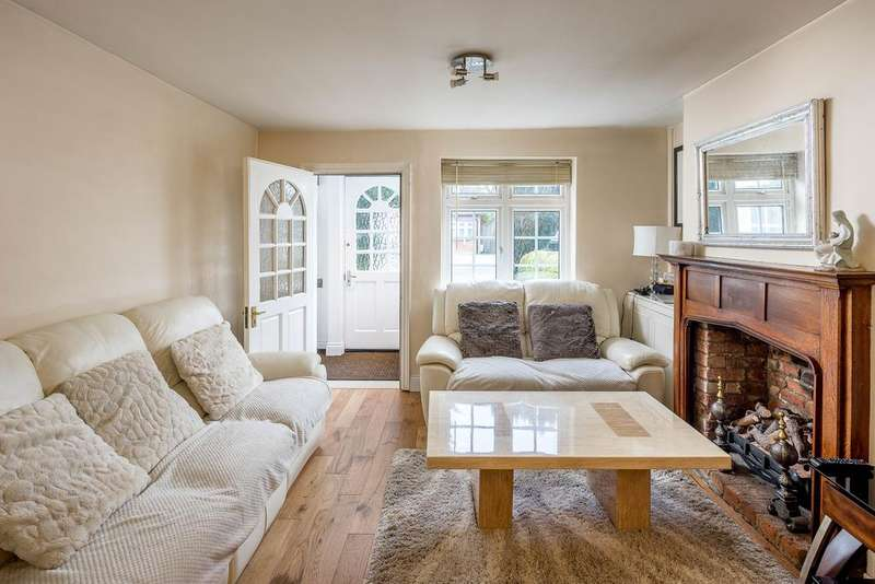 2 Bedrooms House for sale in Windmill Lane, Bushey Heath, Bushey