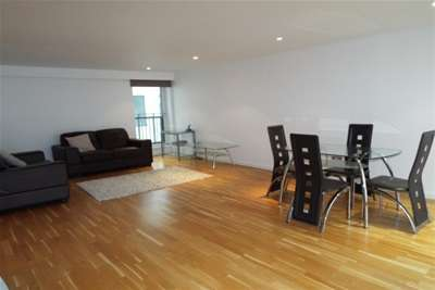 2 Bedrooms Flat for rent in High Street, Trongate, G1