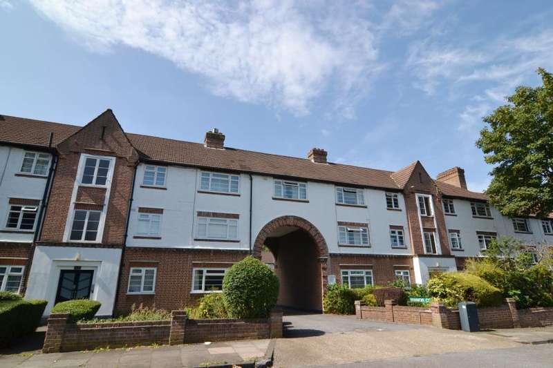2 Bedrooms Flat for sale in Manor Court, Manor Road, Twickenham, TW2